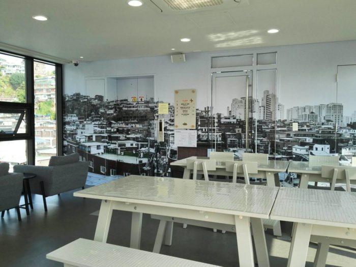 イウムピウム縫製歴史館4階のカフェ