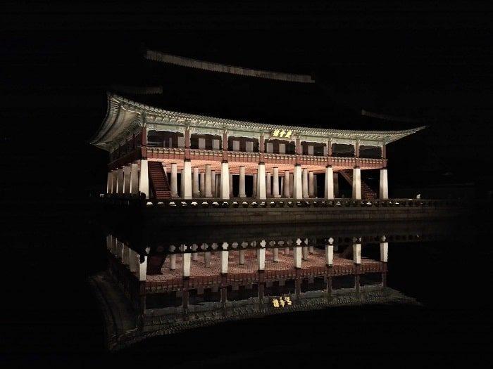 景福宮の慶会楼。朝鮮時代に宴会をしたところ