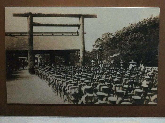 植民地歴史博物館展示。日本に同化させるため韓半島各地に神社や鳥居を立てた