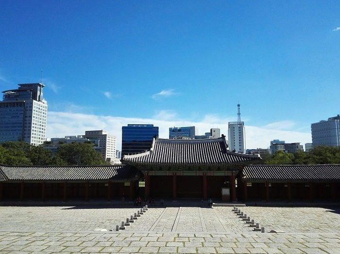 資政殿崇政殿からソウルを見る