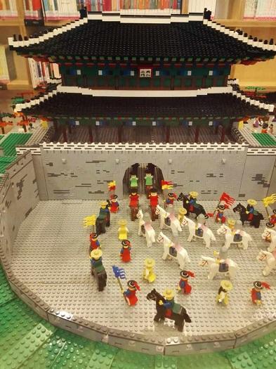 漢陽都城博物館資料室レゴでつくった東大門