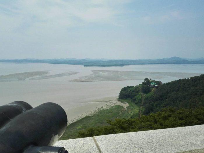 烏頭山(オドゥサン)統一展望台から眺める北朝鮮