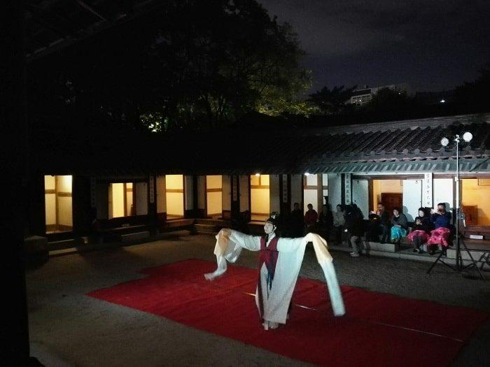 雲峴宮 庭の中の歴史コンサートハクチュム