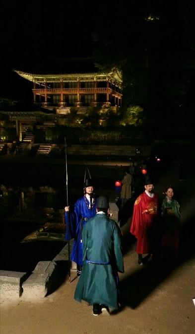 昌徳宮月明かり紀行2019芙蓉池前の王様と王妃