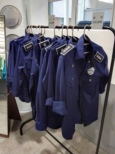 ソウル生活史博物館の拘置監(拘置所)展示室 看守の制服