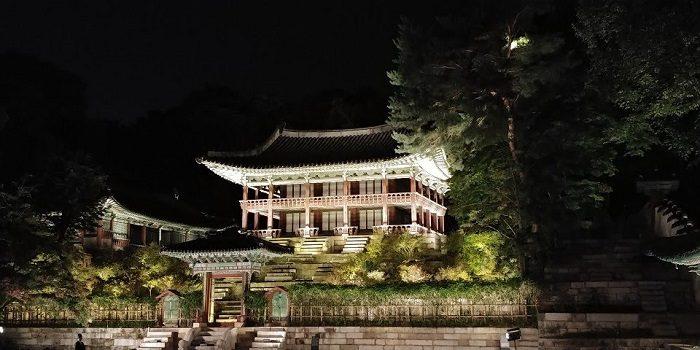 昌徳宮月明かり紀行芙蓉池