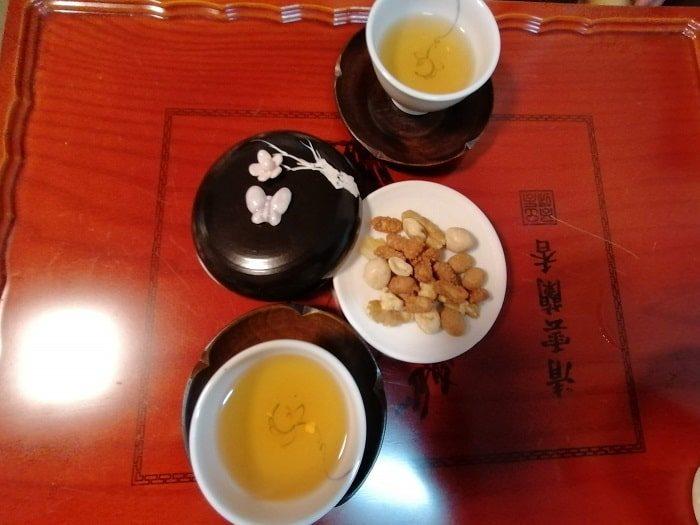 テンプルステイ体験108の数珠作り興国寺(フングクサ)テンプルステイ体験茶菓とお茶