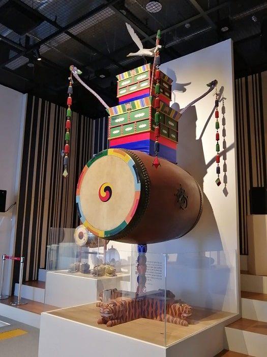 韓国初の国楽専門博物館、朝鮮時代の国楽祭礼楽器の建鼓