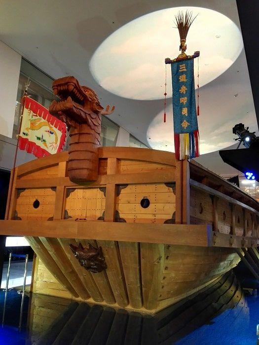 光化門広場地下の忠武公李舜臣将軍の物語(チュンムゴン イヤギ)亀甲船の内部