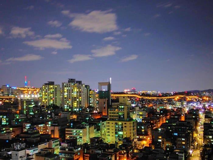 漢陽都城(ハニャントソン)ライトアップされた城郭