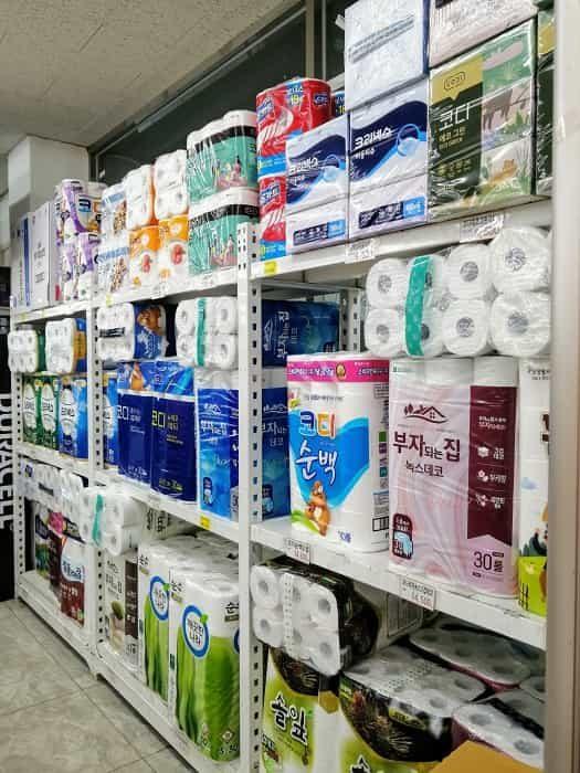 韓国のスーパーにトイレットペーパー