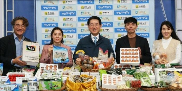 農業従事者、給食業者を救う韓国オーガニック農産物配送事業