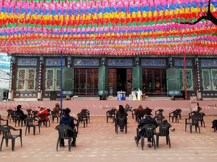 韓国の社会的距離(ソーシャルディスタンス)宗教施設の規制緩和