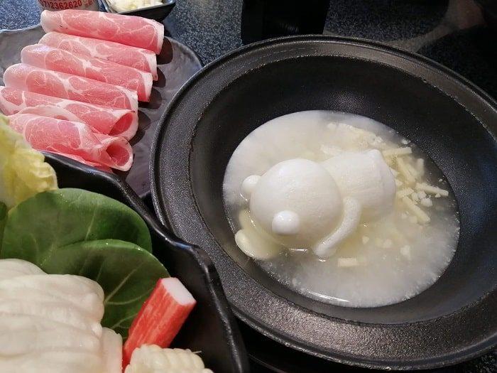 ミアサゴリ、ゴムドリ(かわいい熊)の台湾火鍋
