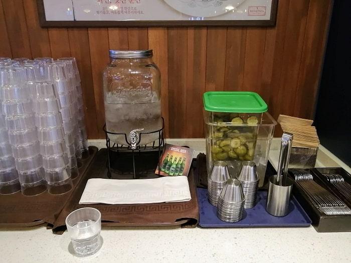 ペク・ジョンウォンさんの安くておいしいパスタのお店ピクルスはセルフで食べ放題