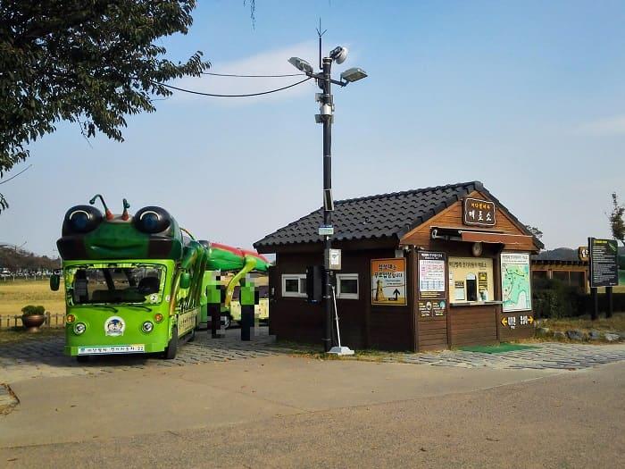 瞻星台(チョムソンデ)タマムシ電気自動車チケット売り場
