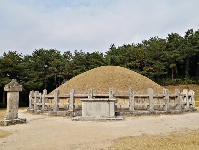 慶州市金庾信(キム・ユシン)将軍のお墓