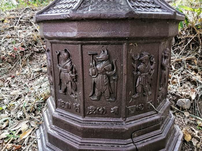 キョンジュ金庾信(キム・ユシン)将軍の墓を模した街灯