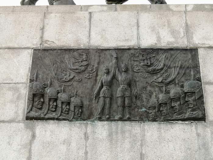 キョンジュ金庾信(キム・ユシン)将軍像のレリーフ