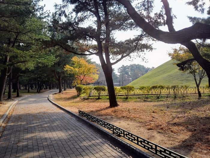 韓国慶州(キョンジュ)大陵苑(テヌンウォン)古墳公園