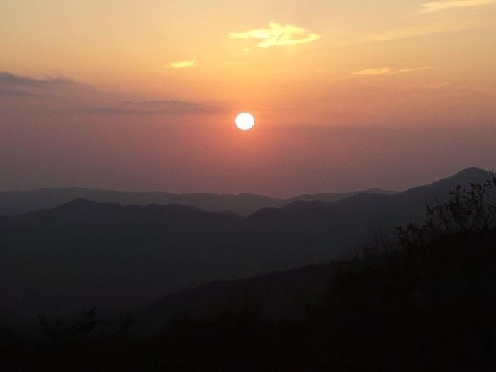 慶州仏国寺ソックラム吐含山の日の出