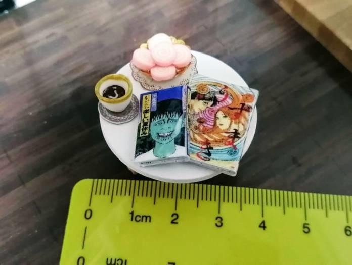 CuteBee DIY木製ドールハウス,ミニチュアマンガ本作り方